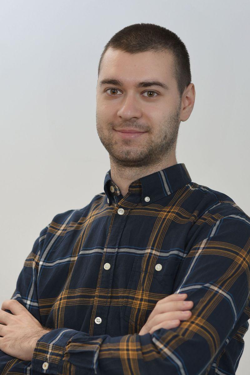 Nikola Dragutinovic-bg