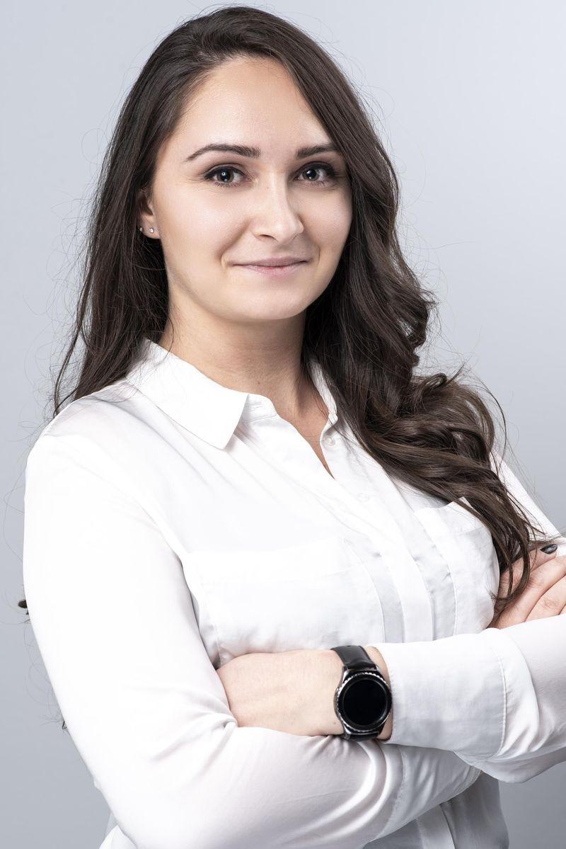SASA VALERI MARIC-bg